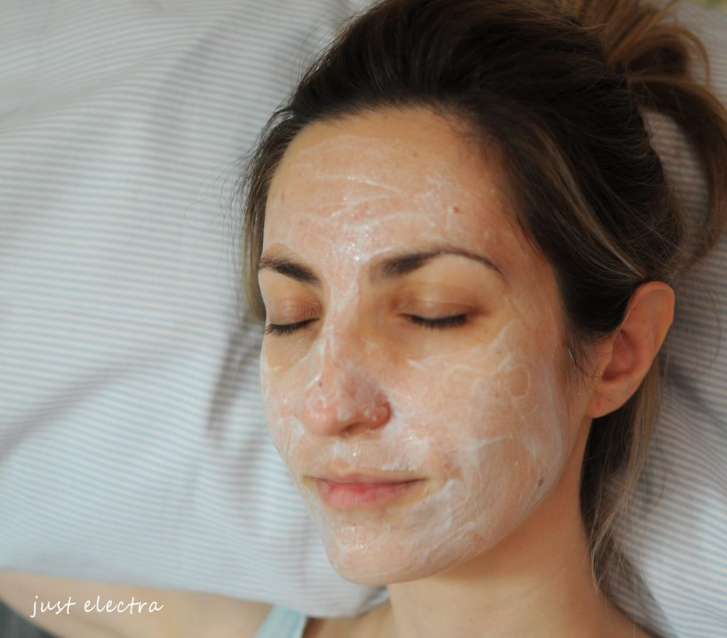 Apivita Face Mask