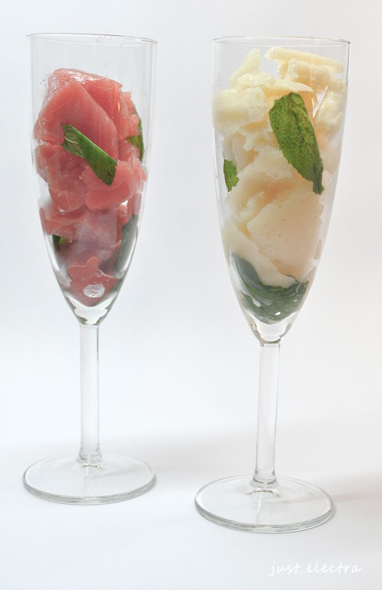 Cocktail από σορμπέ καρπούζι και ροδάκινο